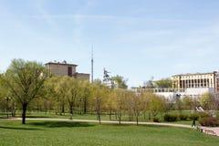 Россия, Москва, 5-ое мая 2017: Вид на город, Rostokino, мост-водовод Стоковое Фото