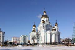 Россия. Саранск. Собор ` s St. Theodor Ushakov во время зимы стоковые изображения