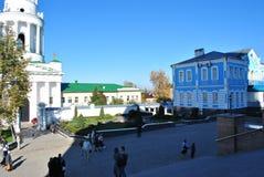 Россия, Zadonsk, монастырь 25-ое августа 2017 христианский для людей правоверных стоковое изображение