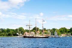 РОСТОК, ГЕРМАНИЯ - АВГУСТ 2016: парусное судно Hendrika Bartelds Стоковые Изображения