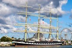 РОСТОК, ГЕРМАНИЯ - АВГУСТ 2016: Krusenstern 4-masted барк Kruzenshtern Стоковое Изображение