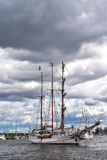 РОСТОК, ГЕРМАНИЯ - АВГУСТ 2016: 3-masted барк Loth Lorien Стоковая Фотография