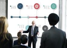 Рост бизнес-отчета нумерует концепцию стоковое фото