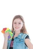 Рост портрет красивой маленькой девочки с денежными карточками Стоковые Изображения RF