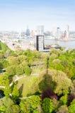 РОТТЕРДАМ, НИДЕРЛАНДЫ - 10-ое мая: Городской пейзаж от башни Euromast в Роттердаме, Нидерландах 10-ого мая 2015 Стоковые Изображения RF