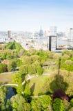 РОТТЕРДАМ, НИДЕРЛАНДЫ - 10-ое мая: Городской пейзаж от башни Euromast в Роттердаме, Нидерландах 10-ого мая 2015 Стоковые Фото