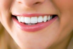 рот близкой девушки вверх Стоковая Фотография