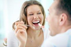 рот раскрывает ваше стоковое изображение