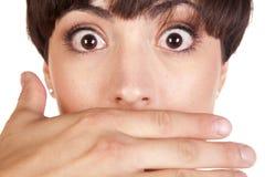 рот человека руки над вспугнуто Стоковое Изображение