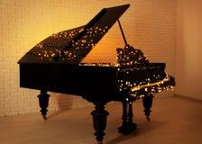 Рояль с светами рождества стоковые изображения