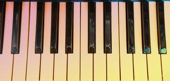 Рояль клавиатуры, взгляд со стороны инструмента мюзикл аппаратуры Стоковая Фотография RF
