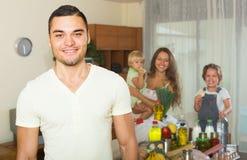 Родители и дети с едой Стоковое Изображение