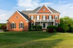 Родной дом передней высоты большой одиночный Стоковое Изображение RF
