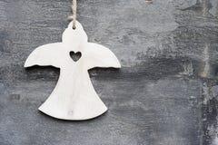 Родовая машина сделала орнамент ангела рождества на деревенском ба стиля Стоковое Фото