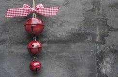Родовая машина сделала орнамент колоколов рождества на деревенском ба стиля Стоковое Изображение RF