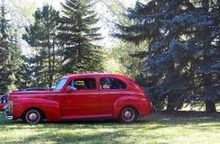 Родстер восстановленный классикой античный красный Стоковые Фотографии RF