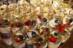 Рт-моча индивидуальные представленные десерты Стоковое Изображение