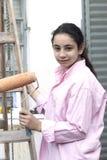 рубашка девушки розовая стоковое фото