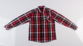 рубашка или рубашка платья человека на предпосылке Стоковое Изображение RF