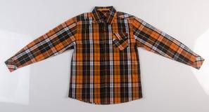 рубашка или рубашка платья человека на предпосылке Стоковые Изображения RF