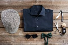 Рубашка и плоская крышка стоковая фотография rf