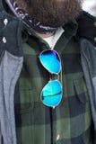 Рубашка шотландки бородатого человека нося и жилет Стоковая Фотография RF