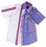 рубашки рубашки моды людей на предпосылке Стоковые Фото