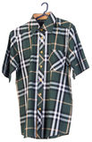 рубашки рубашки человека на вешалках Стоковое Изображение RF