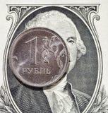 1 рублевка и 1 доллар Стоковые Фото