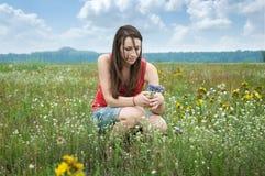 рудоразборка девушки цветков Стоковое Изображение