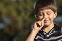 рудоразборка носа мальчика Стоковые Изображения RF