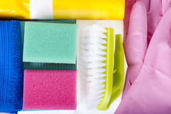 дружественные к Эко естественные уборщики, чистящие средства Домодельная зеленая чистка на белой предпосылке Стоковая Фотография RF