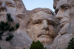 ` Рузвельт и Авраам Линкольн игрушечного ` Mt Rushmore стоковые изображения rf
