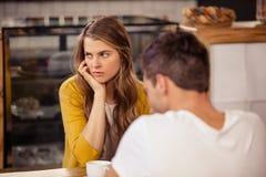 2 друз встречая на кафе Стоковые Фото