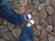 2 друз в городке Каунаса старом Стоковые Фото