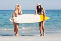 2 друз в купальниках Стоковые Изображения RF