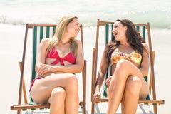 2 друз в купальниках Стоковое фото RF
