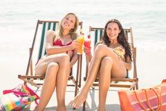 2 друз в купальниках Стоковая Фотография RF