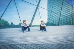 2 друз говоря друг с другом Стоковое фото RF