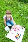 2 друз маленькая девочка и щенок Стоковые Изображения