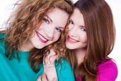 2 друз молодых женщин Стоковые Фото