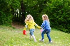2 друз на прогулке Стоковые Фото
