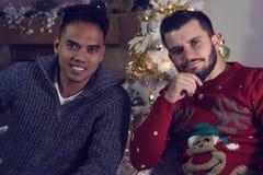 2 друз представляя для рождества Стоковые Изображения RF