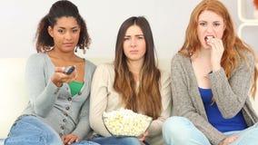 3 друз смотря телевидение акции видеоматериалы