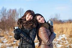 2 друз outdoors на зиме Стоковые Фотографии RF