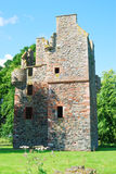 Руина башни Greenknowe от Ист-Сайд Стоковое фото RF