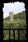 Руина от замка Oberburg в горах Eifel Стоковое Изображение RF