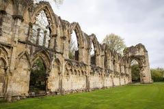 Руины аббатства ` s St Mary Стоковое фото RF