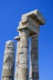 Руины античного здания в Греции против неба Стоковое Фото