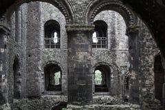 Руины двенадцатого века замка Rochester Замок и руины городищ Кент, юговосточная Англия Стоковая Фотография